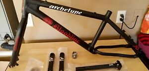 BLOODLINE ARCHETYPE BMX CRUISER 24 IN NOS F/F