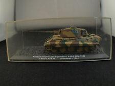 Kiosque PanzerkampfwagenTank Tiger ausf. B SdKfz 182 Ardennes 44 Boxed / boîte