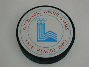 OFFICIAL HOCKEY PUCK 1980 XIII OLYMPICS WINTER GAMES - LAKE PLACID, NY