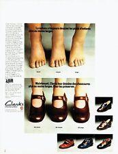 PUBLICITE ADVERTISING 037  1972   les chaussures enfant  Clarks