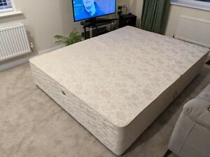 Sealy King size divan bed