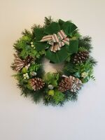 "19"" VTG Plastic Christmas Wreath Holly Ring Garland Retro Mid Mod 80s Kitsch"