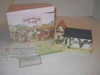 1989 David Winter Cottage Collectors Guild The Coal Shed Piece No 6 +COA+Box