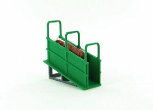 1:64 Livestock Loading Chute 3D to Scale Diorama Display Farm