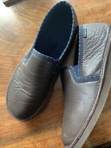 Moshulu Men's Slippers. Size 9. Brown. Hardly Worn.