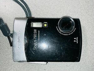 Olympus Stylus 790 SW 7.1MP Digital Camera - Black can takes pictures underwater