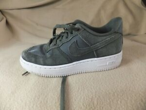NIKE AIR FORCE 1 AF-1 TRAINERS DARK GREEN SUEDE SIZE 1 UK 33 EURO A46