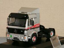 Camions miniatures gris IXO