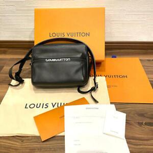 LOUIS VUITTON Crossbody Shoulder Bag Taiga Messenger PM M31003 Black New invoice