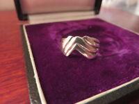 Hübscher 925 Silber Ring Krone Schlicht Elegant Alternativ Design Rillen Vintage
