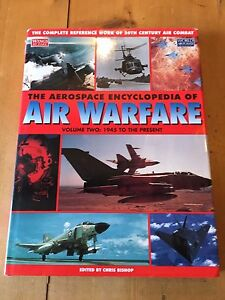 "1997 LARGE HEAVY ""AEROSPACE ENCYCLOPEDIA OF AIR WARFARE"" VOL 2 HARDBACK BOOK (XX"