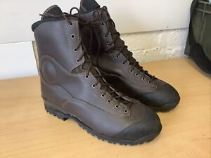NEW MILITARY Army Brown GORETEX  Military Boots Size 12 Uk Waterproof