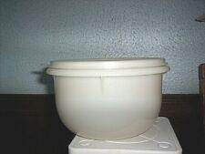 Tupperware 8 Cup Flat Bottom Mixing Bowl & Seal