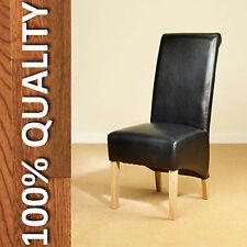Chaises noires en chêne pour la maison