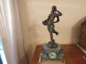 Pendule - Marbre - Régule patine bronze - Sculpture signé Auguste MOREAU - XIXe