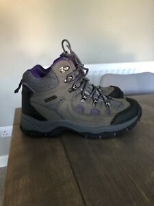 womens waterproof walking boots size 6