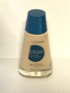 Covergirl Clean Oil-Control Liquid Makeup, # 525 Buff Beige (1 oz liq.) 1 Bottle