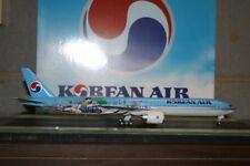 JC Wings 1:200 Korean Airlines Boeing 777-300ER HL8209 (XX2971) Die-Cast Model