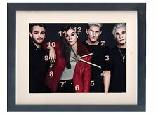Hailee Steinfeld. A high quality framed print and clock. Music memorabilia.