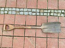 Schaufel / Gartenschaufel mit Holz Stiel - Schippe / Kohleschaufel - 96 cm