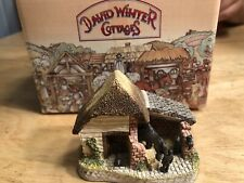 """David Winter The Shires """"Staffordshire Stable� Cottage With Box Mint"""