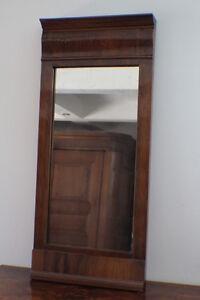 Schöner Spiegel aus dem Biedermeier Louis Philippe ca. 1850 Nussbaum * 6026