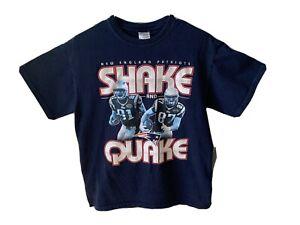NE Patriots Youth M T-shirt Shake and Quake Rob Gronkowsk 87i Aaron Hernandez 81