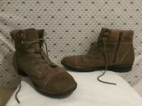 CLARKS Women's Size 9.5 Brown Leather Zip Up Laced Ankle Boots