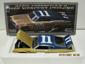 MARIO ANDRETTI 1968 #11 BUNNELL MOTOR UNIVERSITY OF RACING  AUTOGRAPHED 1/24