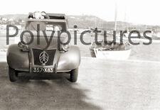 Automobile voiture ancienne 2Cv Citroën - repro tirage photo - an. 1950