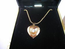 Vintage Necklace Jewelry Pretty Clear Jewel Center GOLD TONE HEART