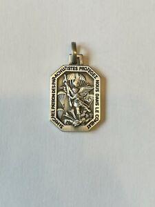 Médaille pendentif  Parachutiste SAINT MICHEL