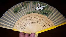 BEAUTIFUL VINTAGE CHINESE FAN WITH PAINTED SCENE LOOK!