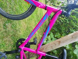 Specialized Hot Rock 20 inch Bike