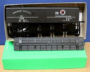 English's Bowser 3-1504 HO 50' SD Boxcar Kit NP Northern Pacific #1129 NIB Black