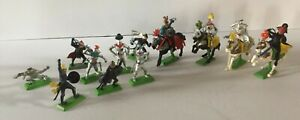Vintage Lot Britains Deetail 1971 - 12 Figures Knights & Turks Mounted Horses