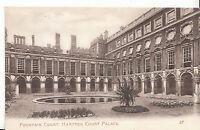 Middlesex Postcard - Fountain Court - Hampton Court Palace   ZZ2506