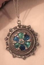 Lovely Fleur de Lis Starburst Teal & Navy Finish Flower Rnd Silvertone Necklace