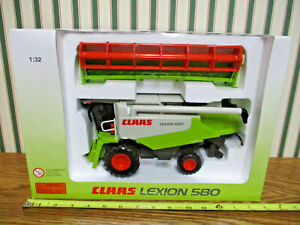 Claas 580 Lexion Combine With Grain Head By Norscot 1/32nd Scale