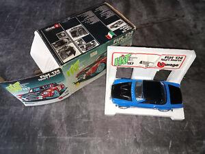 Voiture FIAT 124 SPORT ABARTH Burago ref 137 1/24 - Bleue & noire - sans sticker