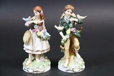 2x Mädchen & Junge mit Vögel bemalte Porzellanfigur Bodenmarke (CL824)