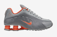 Nike Shox R4 Light Smoke Grey SILVER HYPER CRIMSON CW2626-001 GS 3.5Y-7Y