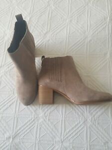 I.N.C Ladies Size 9 Leather Boots