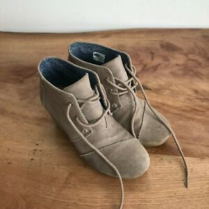 Toms Women's Kala Suede Wedge Booties Desert Taupe Lace Up Size 6.5 US 4.5 UK