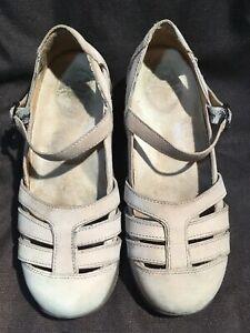 Dansko Women's Beige Leather Mary Jane's Size 7.5–8/38