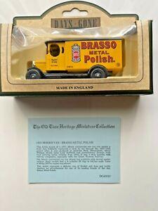 Days Gone Vintage Models: 1931 Morris Van, Brasso Metal Polish