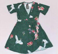 Boohoo Women's Nicole Oriental Bird Ruffle Tea Dress AB3 Green UK:14 US:10 NWT