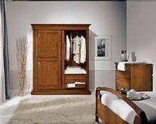 armadio in legno a due ante scorrevoli