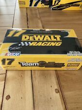 2004 Team Caliber Matt Kenseth Ford Taurus #17 Dewalt 1:24 * Sealed *
