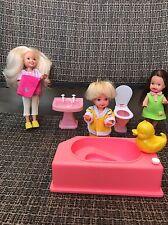 Mattel Barbie - Kelly's Friends Tommy Kelly Stacie Dolls in Bathtub